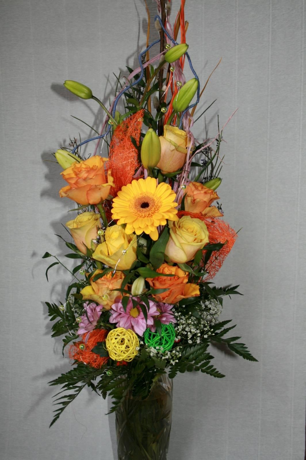 Креативный букет из цветов фото